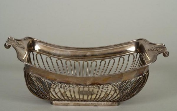 442: George III sterling silver cake basket