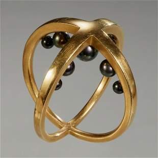 Modernist Designer 18k intersecting circle ring