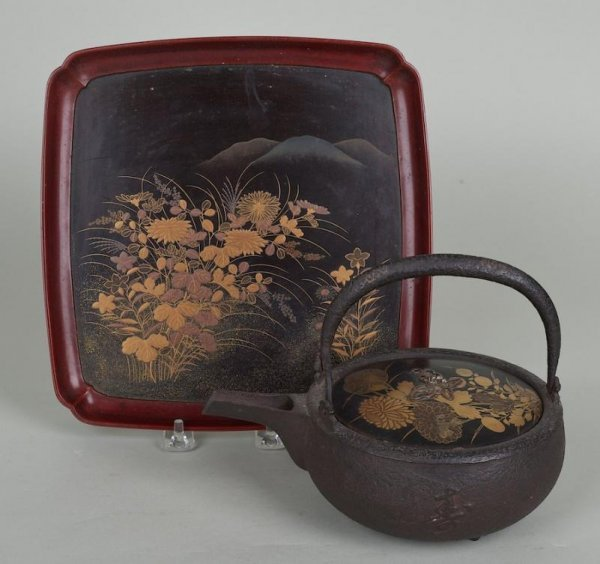 19: Antique Japanese iron teapot with lacquered lid and