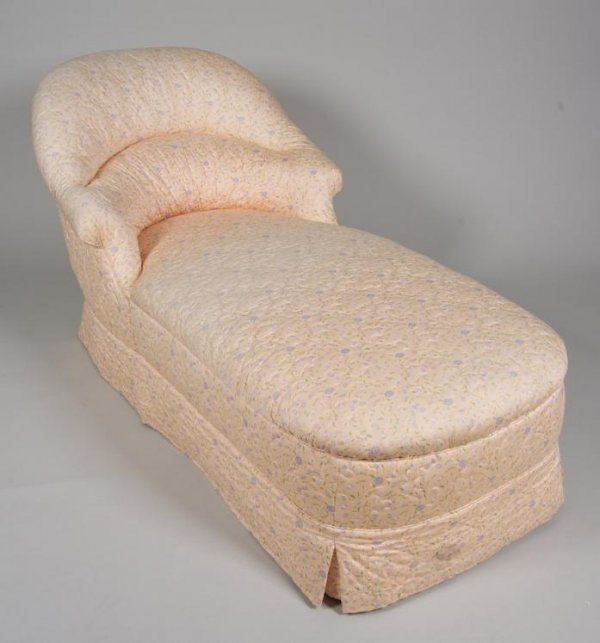1270: Decorator upholstered chaise longue