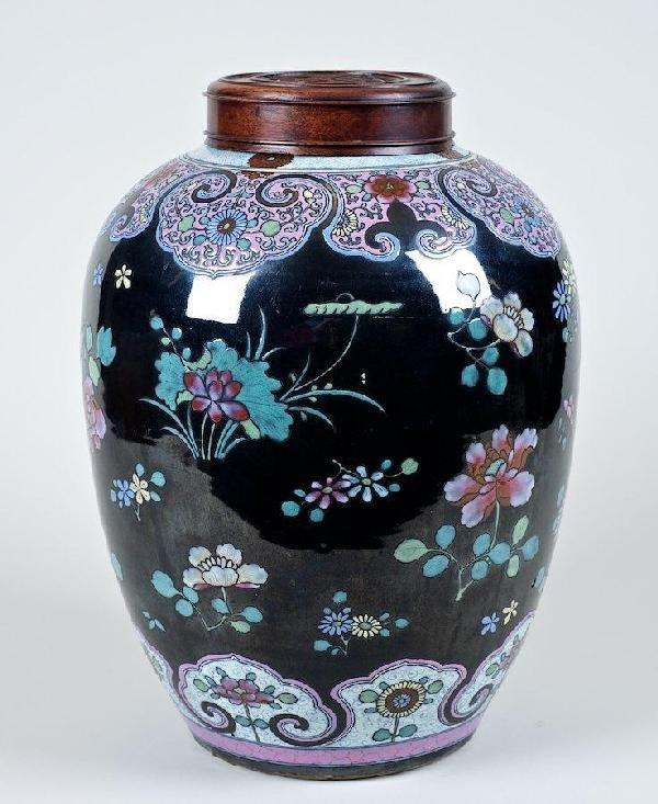 2006: Large antique Chinese enameled mirror black jar