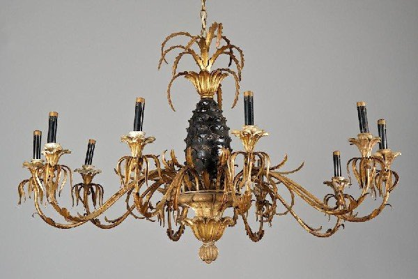 3006: Italian giltwood and tole 8-light pineapple chand