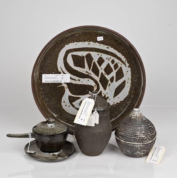8: (4) pieces Modern and Israeli studio pottery