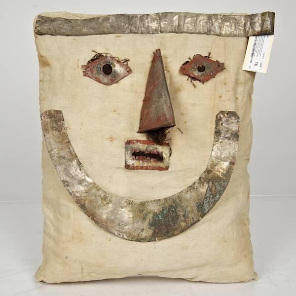 16: Chancay mummy bundle false head