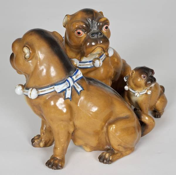 1002: Meissen style porcelain (3) piece Pug family - 2