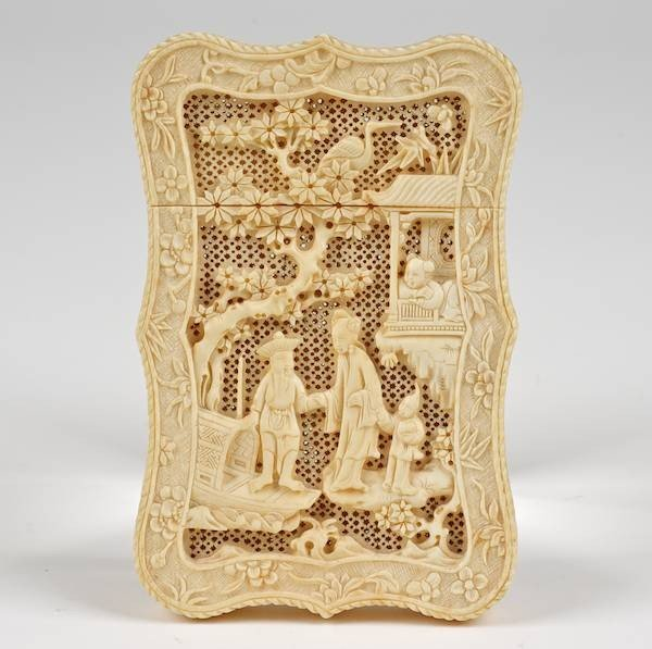 1359: Chinese Export carved ivory card case