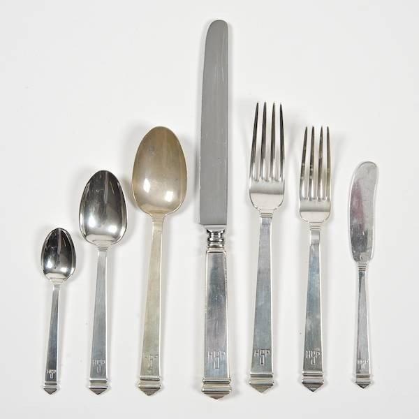 3483: Tiffany & Co. Hampton pattern silver flatware set - 2