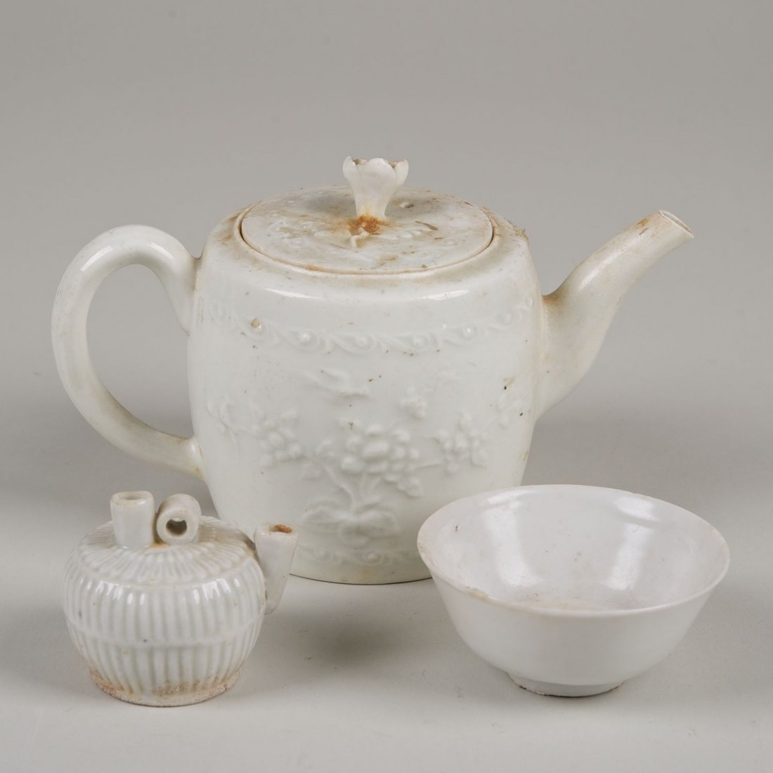 (3) pcs. Chinese blanc de chine table items