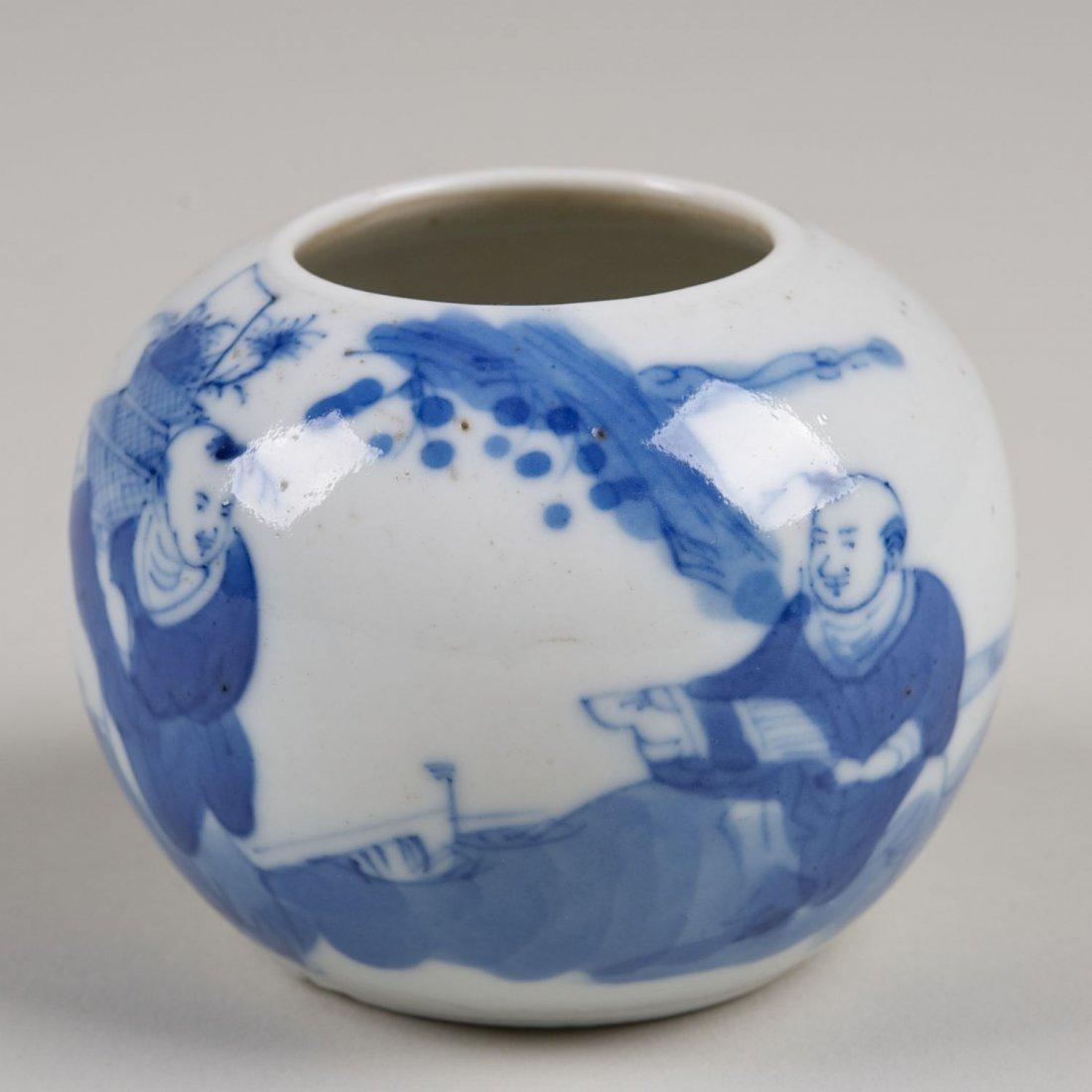 Chinese blue and white porcelain small globular jar