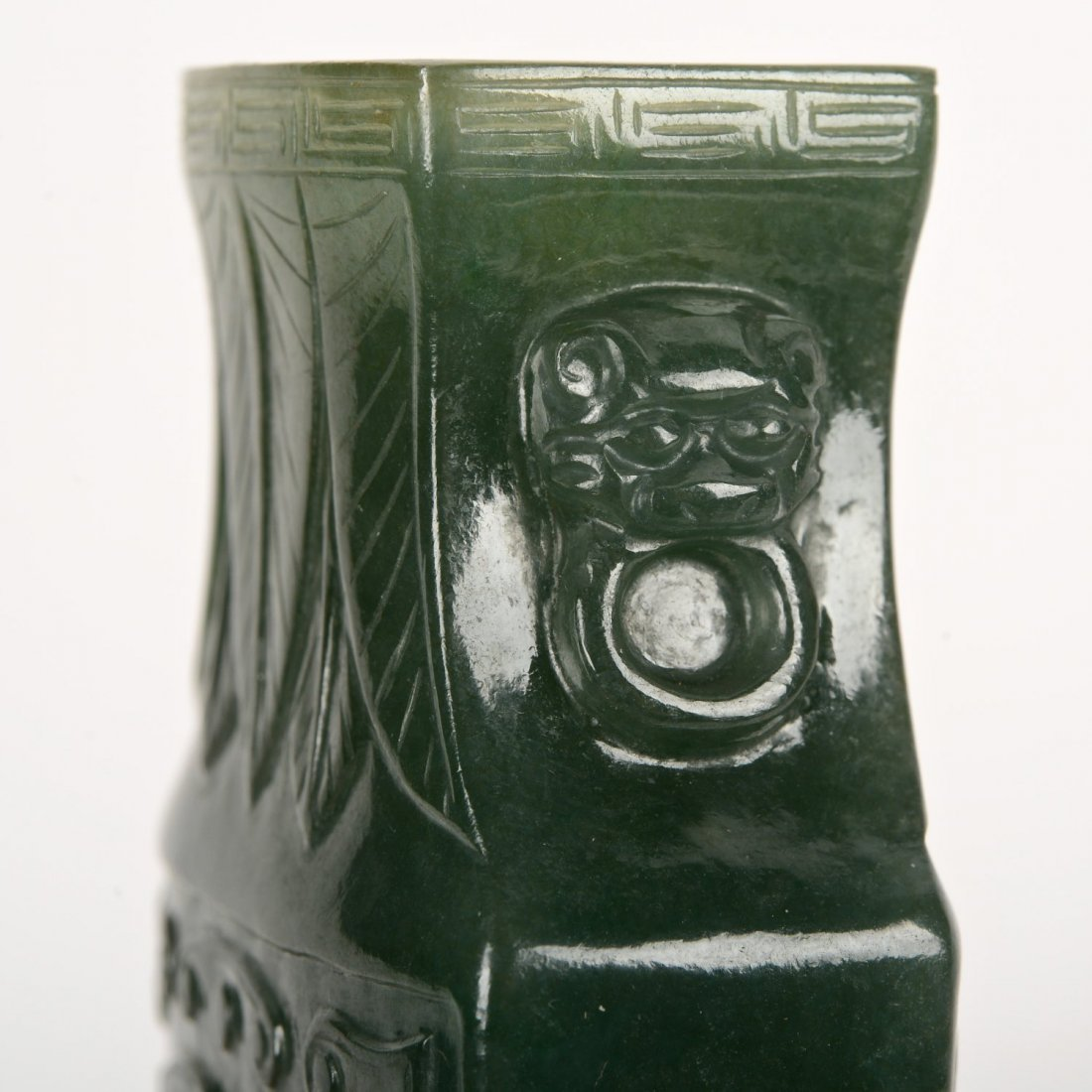 Chinese carved spinach jade urn and cover - 5