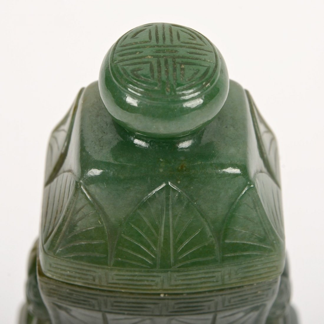Chinese carved spinach jade urn and cover - 6
