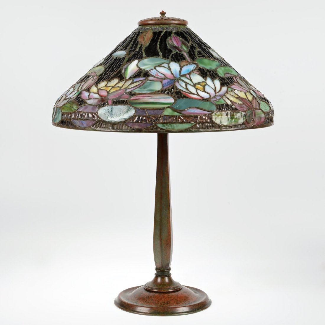 "Tiffany Studios ""Pond Lily"" table lamp"