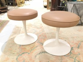 Pair Saarinen For Knoll Tulip Stools