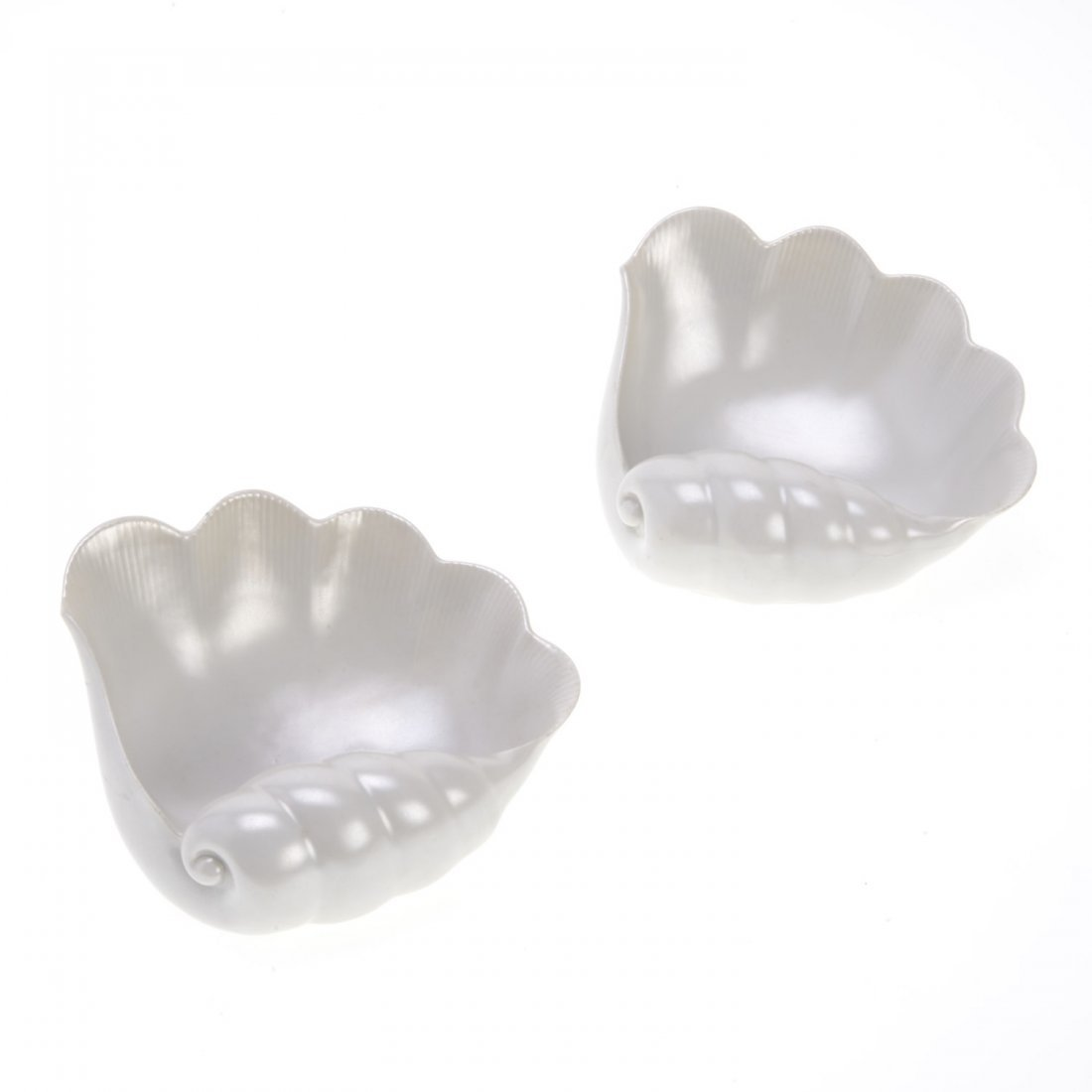 Pair glazed ceramic shell form dishes by Ginori