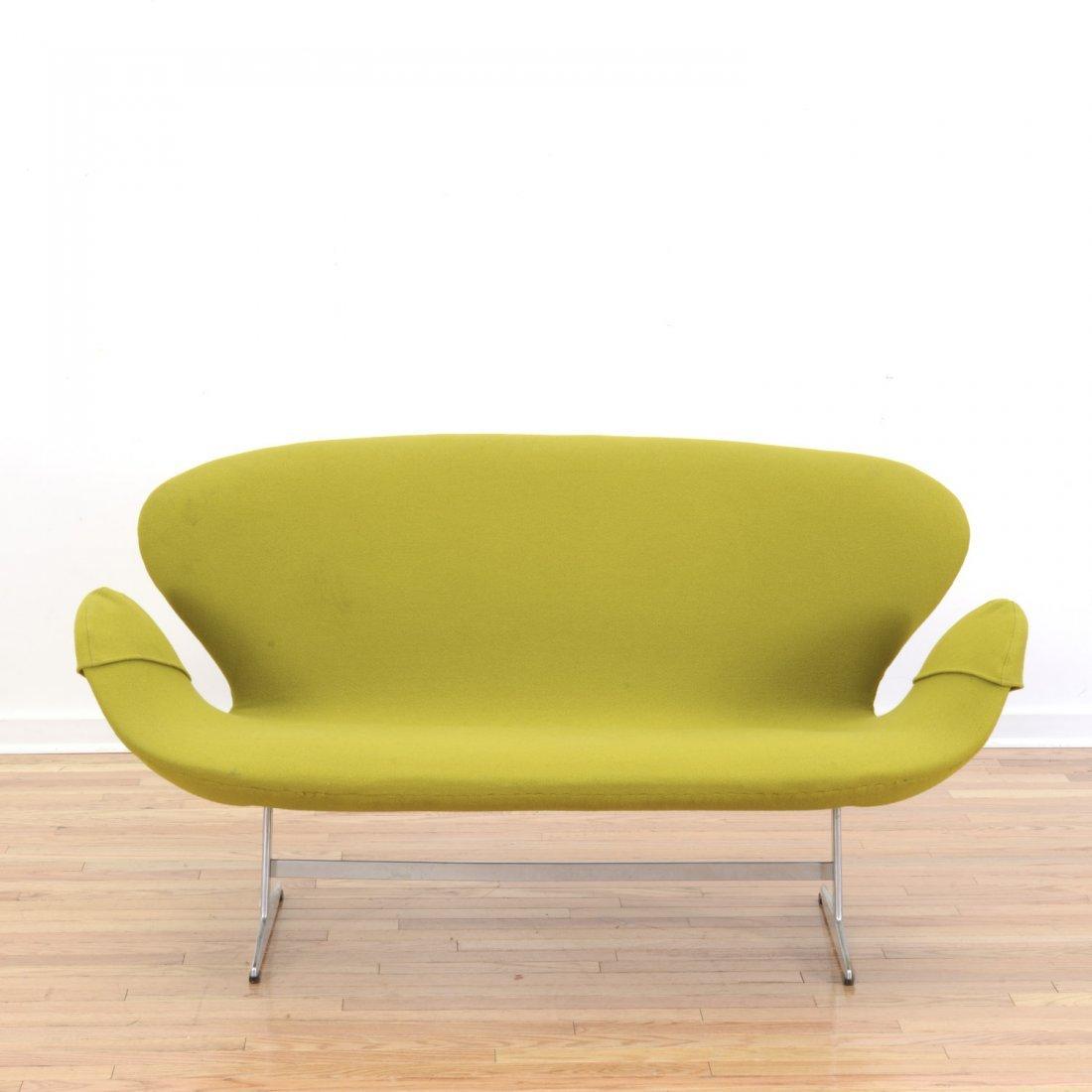 """Arne Jacobsen for Fritz Hansen """"Swan"""" settee"""