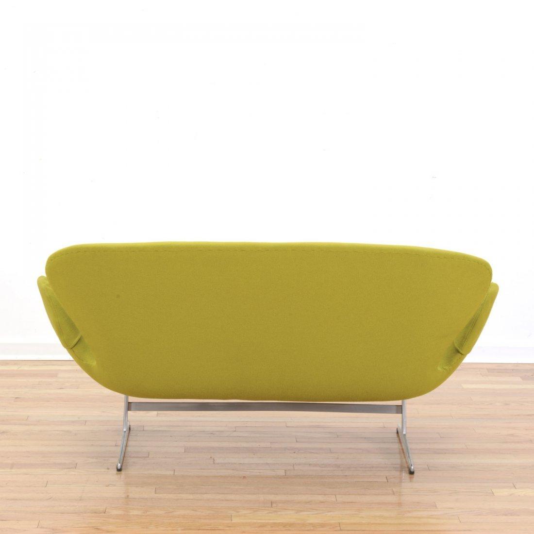 """Arne Jacobsen for Fritz Hansen """"Swan"""" settee - 3"""