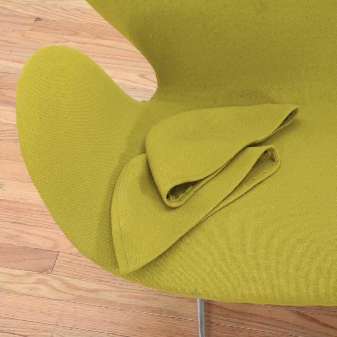 """Arne Jacobsen for Fritz Hansen """"Swan"""" settee - 4"""