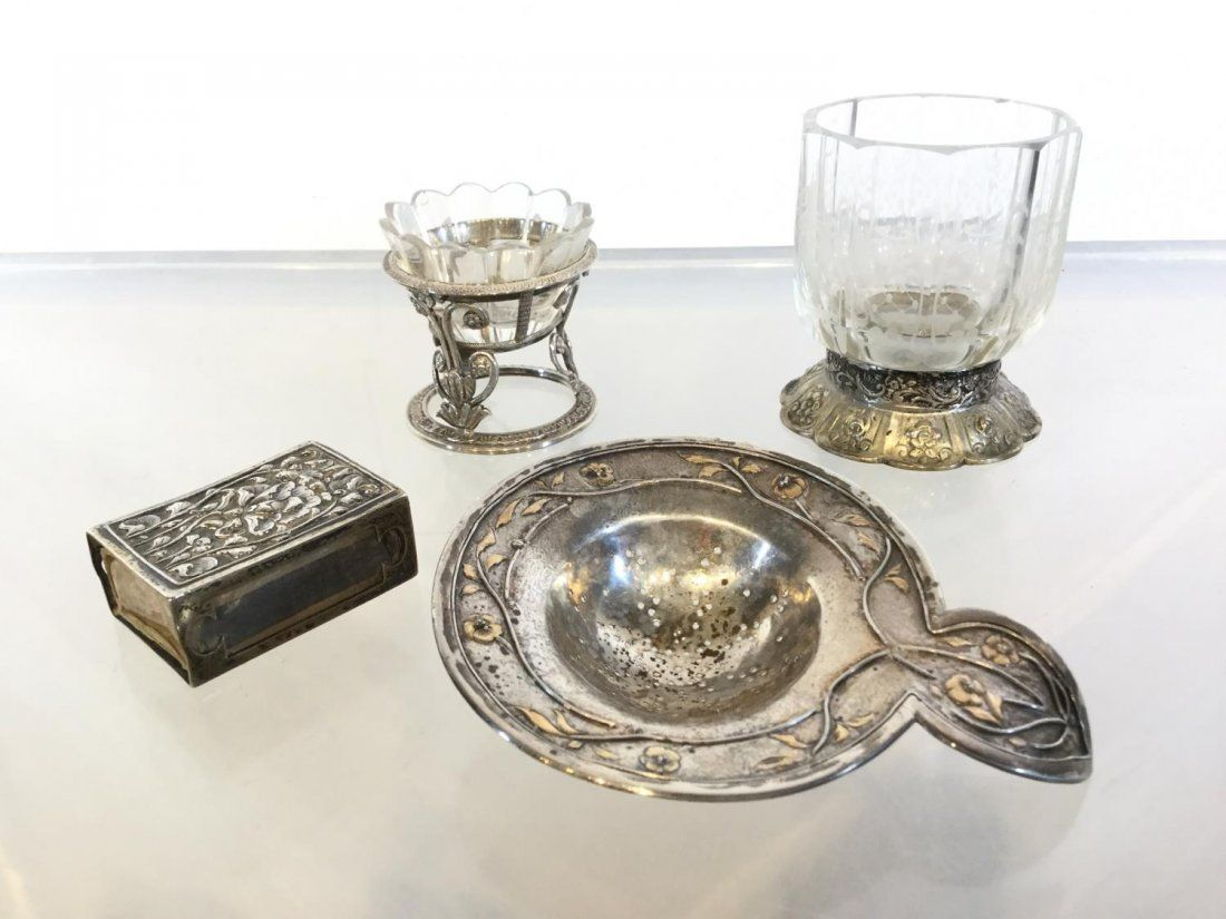 (4) pieces Continental silver accessories