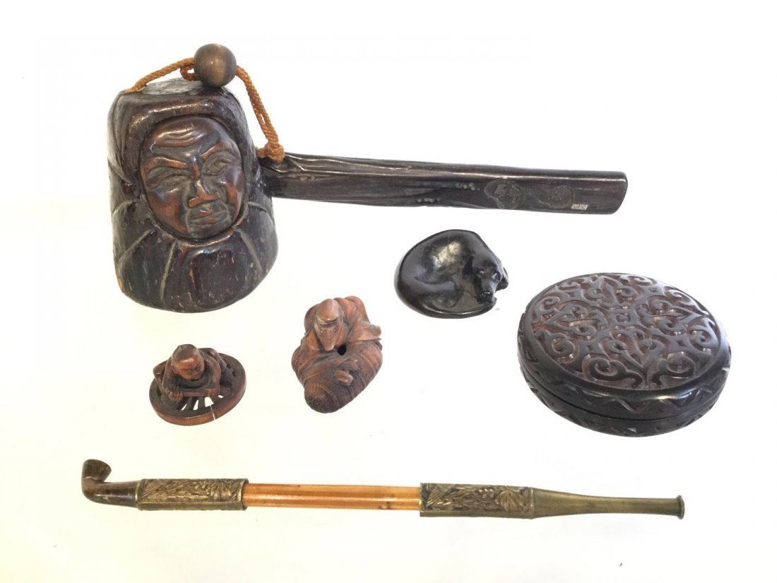 Group Japanese carved wood accessories