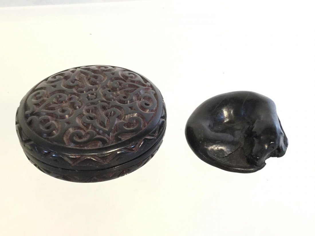 Group Japanese carved wood accessories - 9