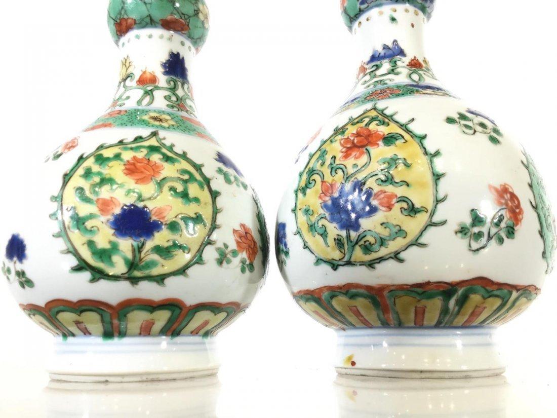 Pair Chinese Export famille vert gourd vases - 7