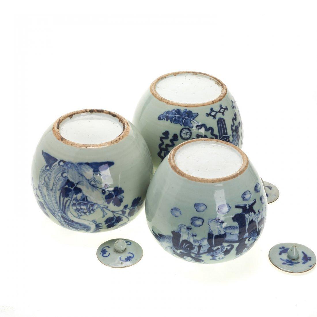 (3) Chinese blue and white globular covered jars - 7