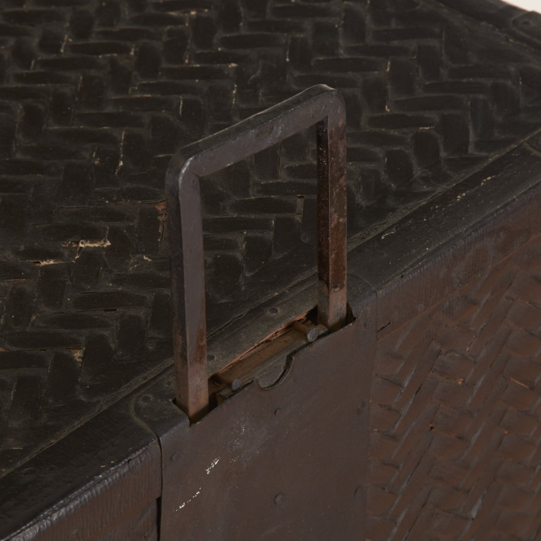 Japanese black painted rattan traveling chest - 3