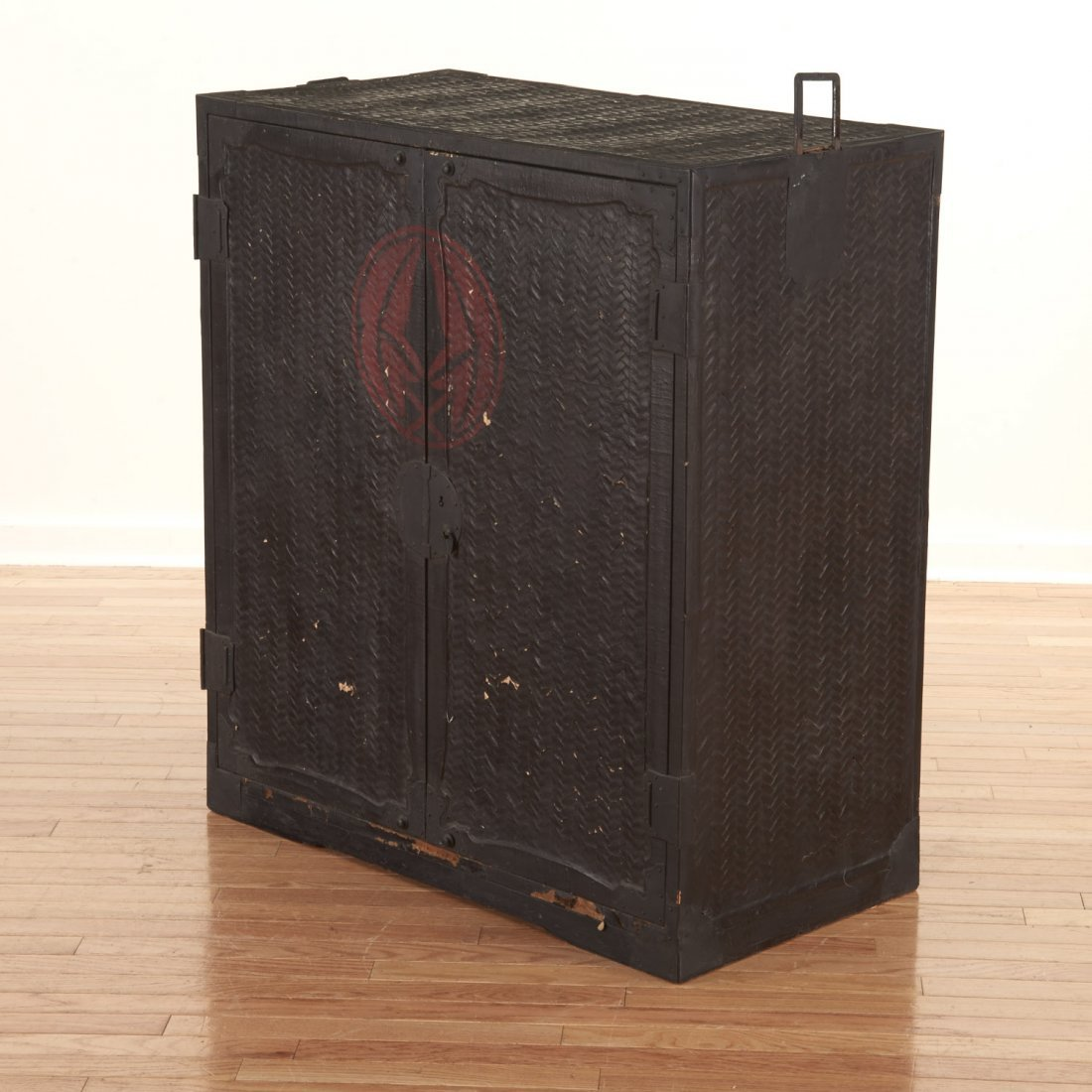 Japanese black painted rattan traveling chest - 4