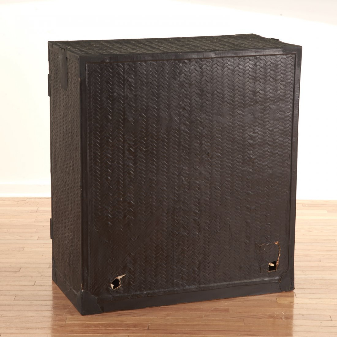 Japanese black painted rattan traveling chest - 5
