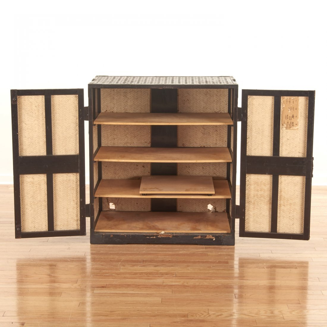 Japanese black painted rattan traveling chest - 7
