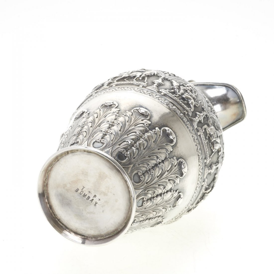 Indian silver ewer with deity decoration - 9