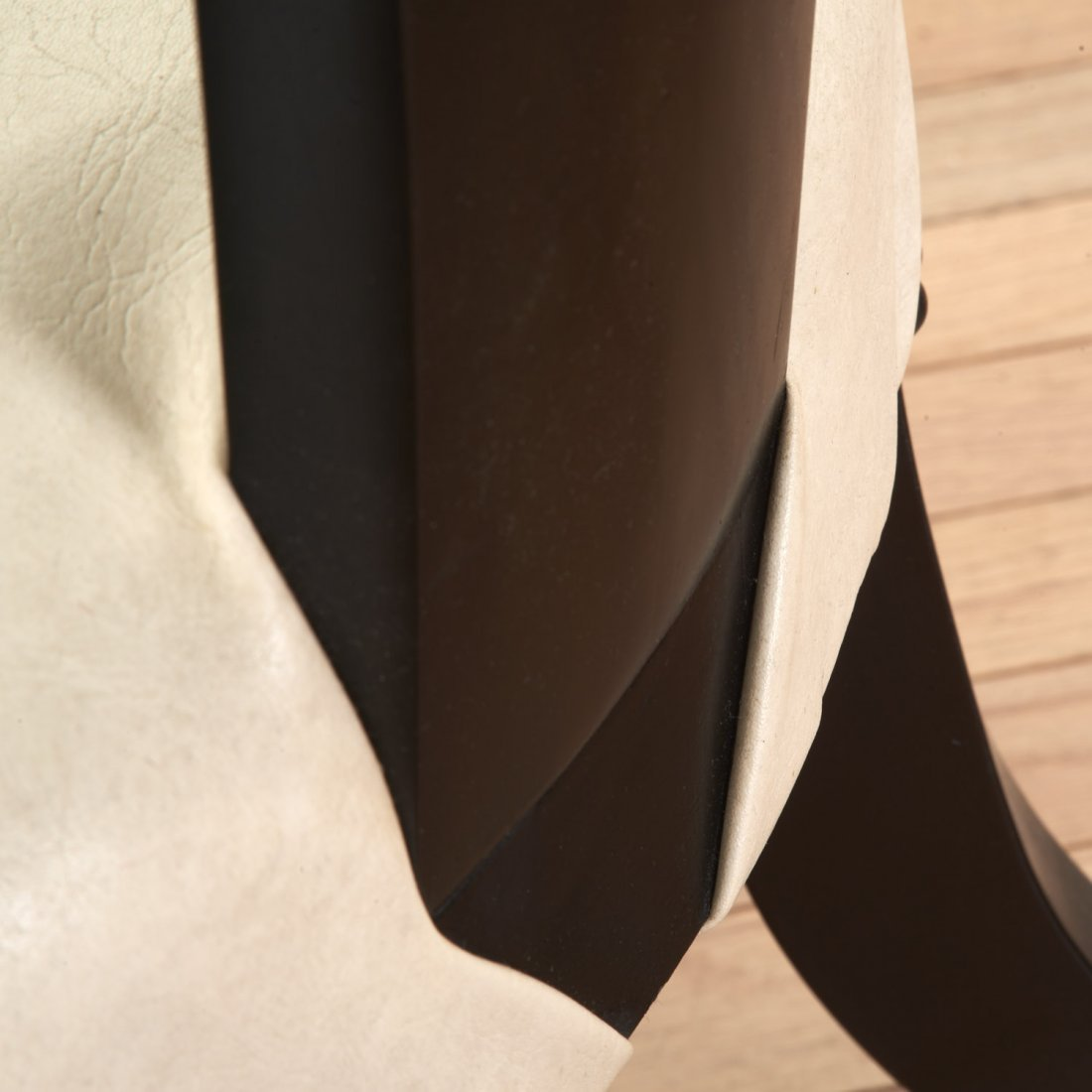 Pair Hollywood Regency spoon-back chairs - 9