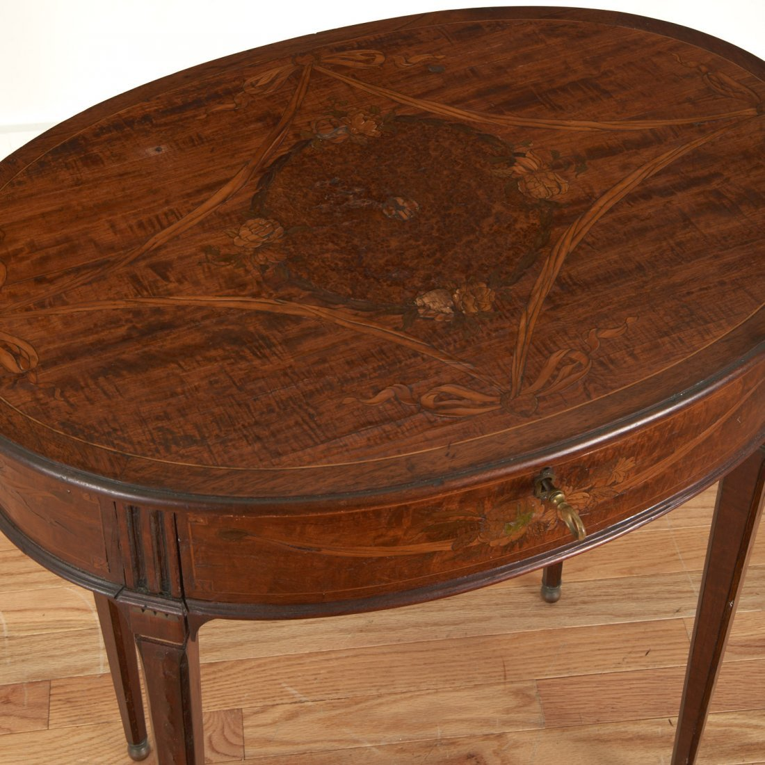 Continental Neo-Classical inlaid walnut side table - 2