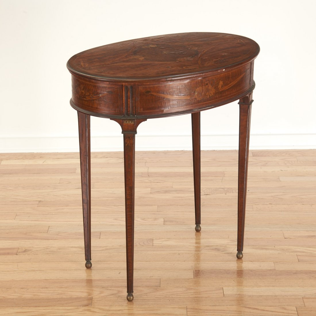 Continental Neo-Classical inlaid walnut side table - 6