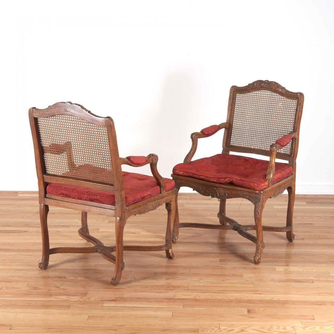 Pair Regence carved walnut open armchairs - 3