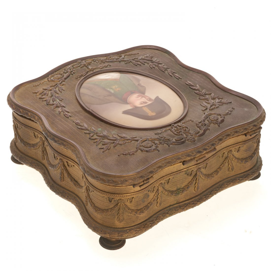 Napoleon III gilt bronze and porcelain box - 3