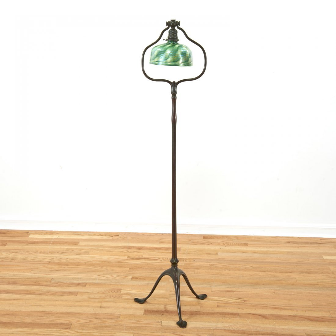 Attr. Tiffany Studios bronze, damascene floor lamp