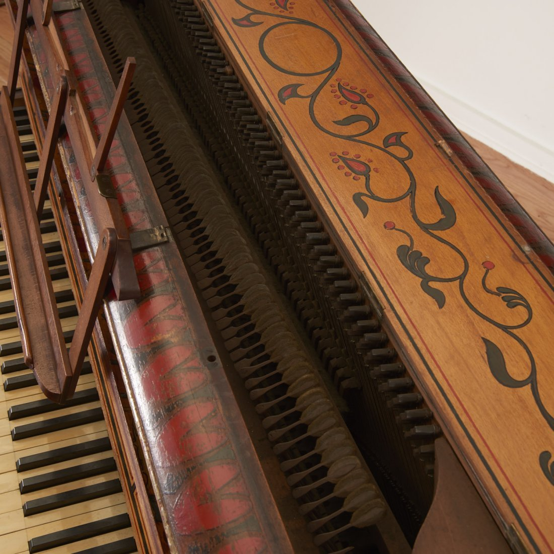 Egyptian Revival spinet piano - 7