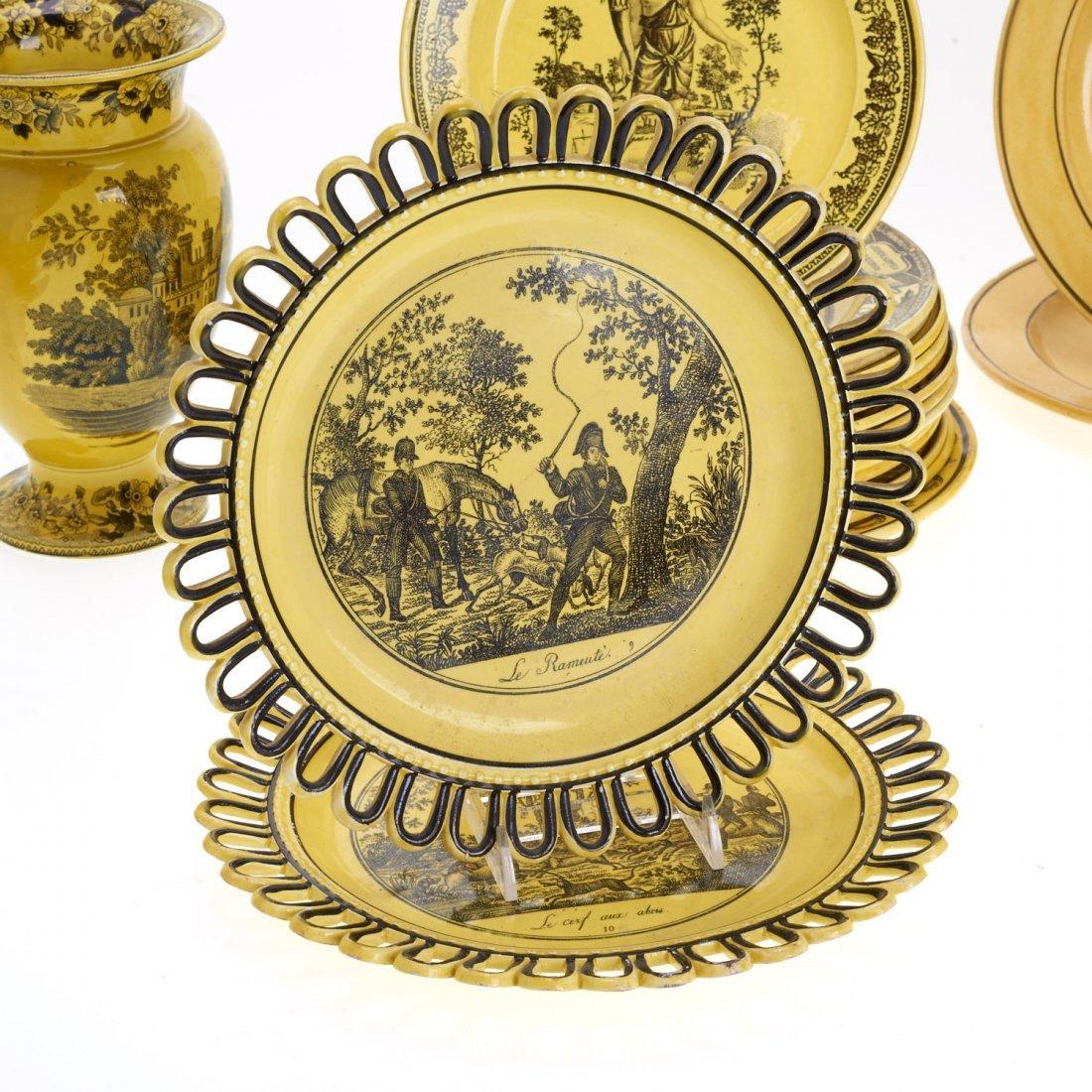 Assembled antique Creil yellow dinner service - 2