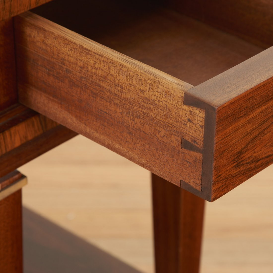 Manner Maxime Old near pair side tables - 3