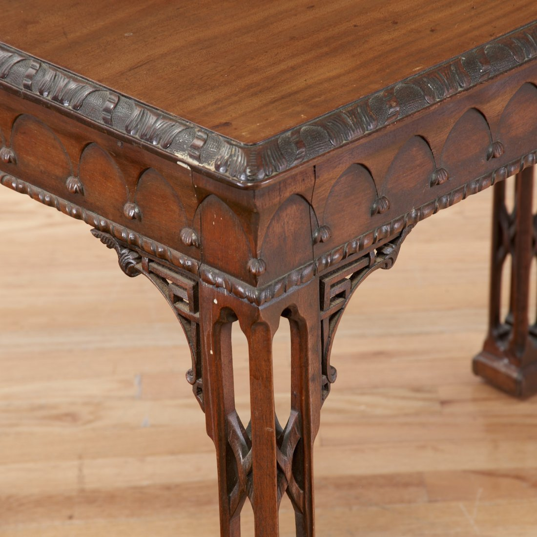 Gothic Revival carved mahogany side table - 3