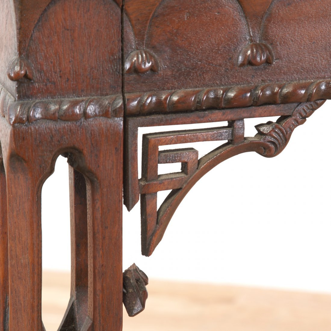 Gothic Revival carved mahogany side table - 6