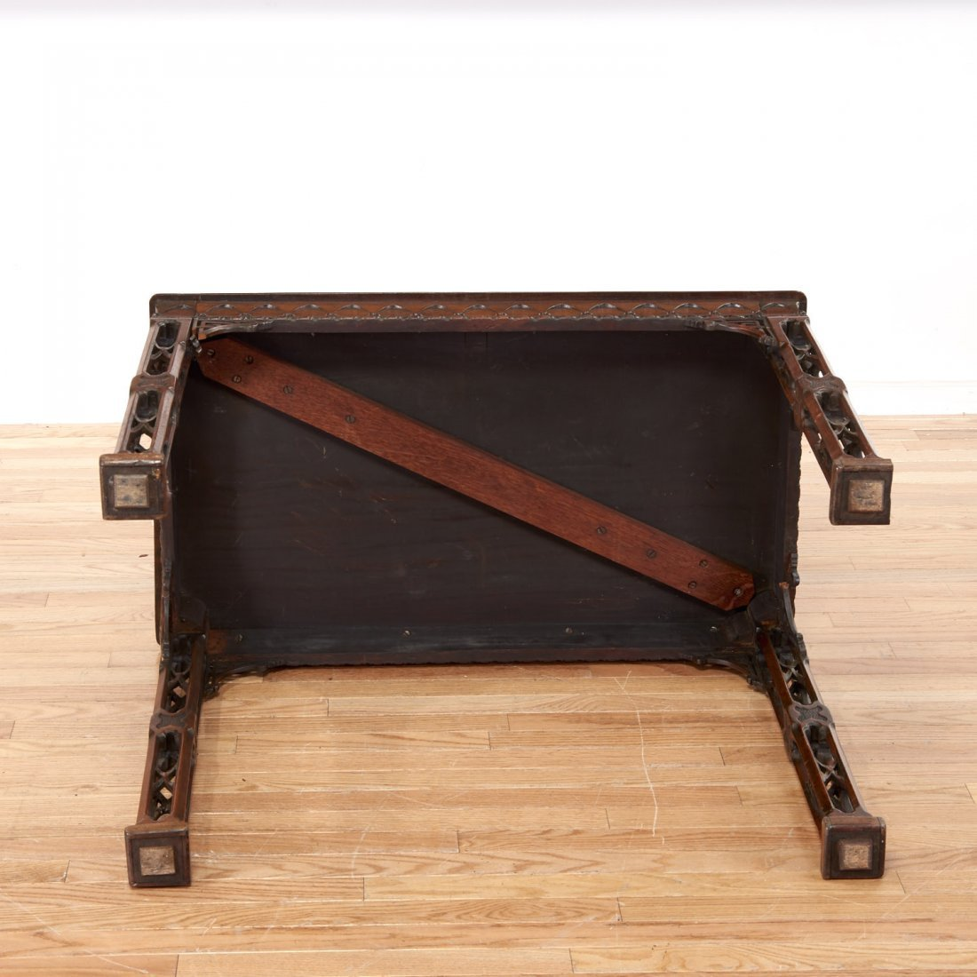Gothic Revival carved mahogany side table - 8