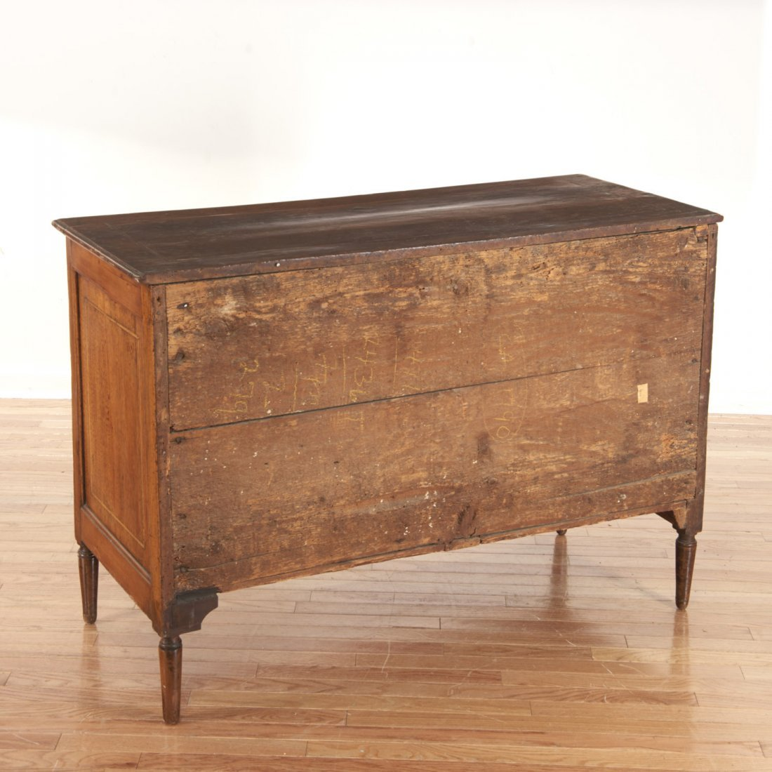 Continental inlaid walnut commode - 6