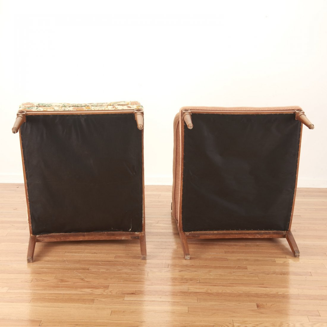 Pair Neo-Directoire upholstered walnut chauffeuse - 10