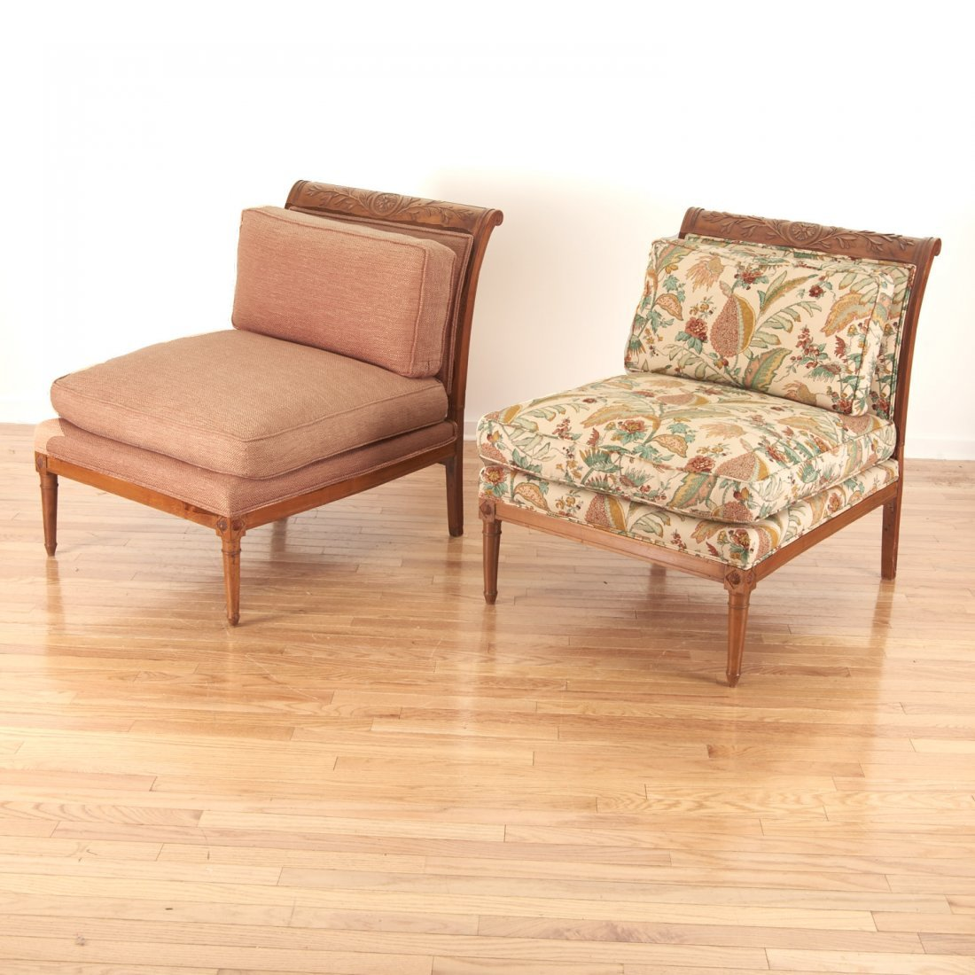 Pair Neo-Directoire upholstered walnut chauffeuse - 3