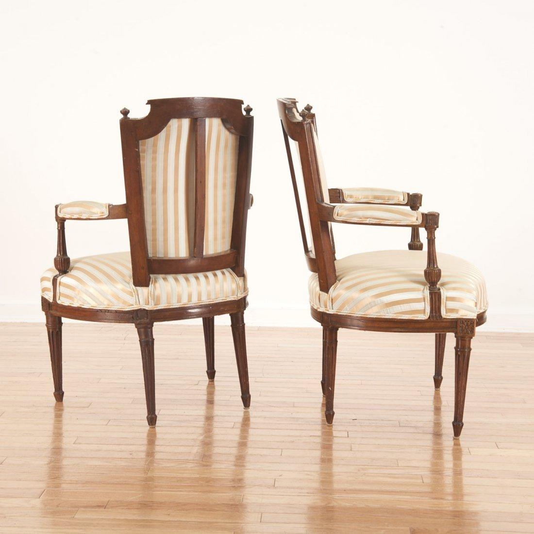 Pr Directoire silk upholstered mahogany fauteuils - 4