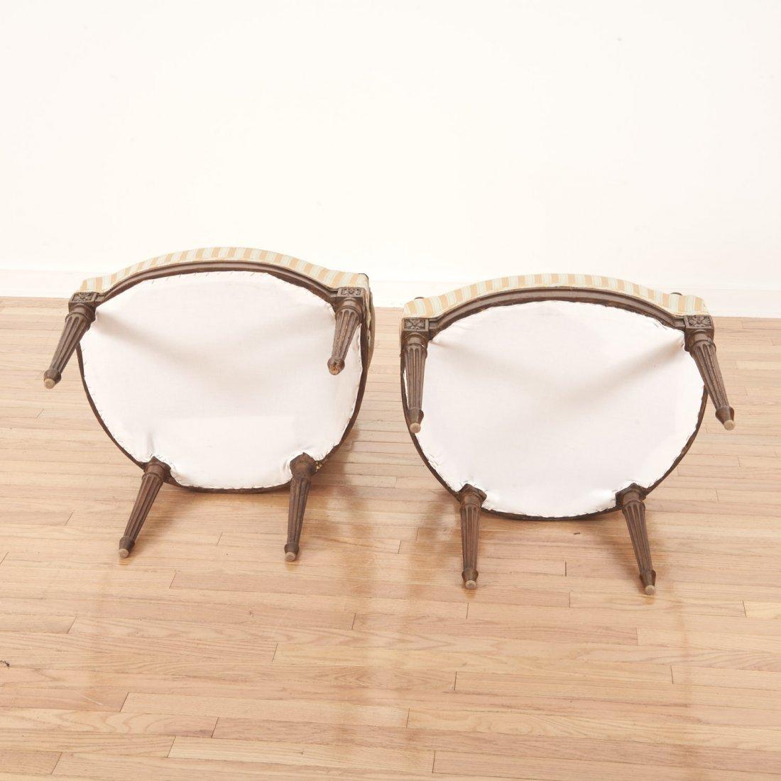 Pr Directoire silk upholstered mahogany fauteuils - 9