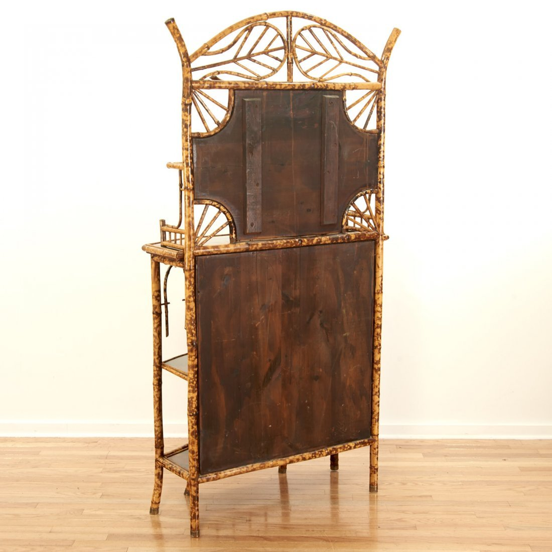 Victorian style chinoiserie lacquer etagere - 10