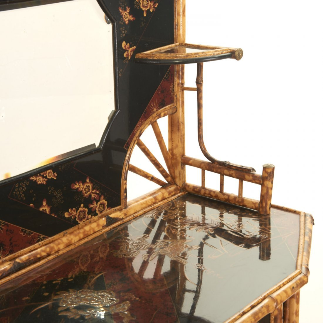 Victorian style chinoiserie lacquer etagere - 6